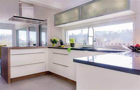 küchen ideen kleiner raum wandfarbe inspiration
