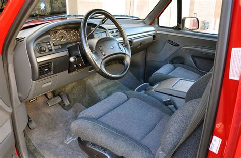 Svt Lightning Interior by Throwback The 1993 1995 F 150 Svt Lightning Ford Addict