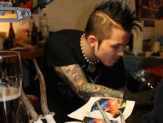 tattoo convention rosenheim rosenheim tattoos piercings und k 246 rperkunst in der