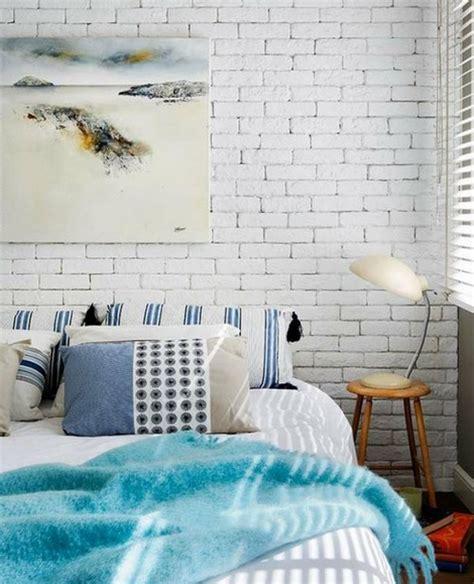 una alla casa una parete di mattoni a vista per un tocco rustico e