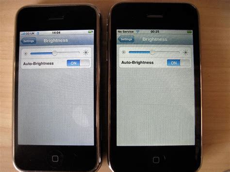 iphone yellow tint early iphone 3g adopters bothered by yellow tinted screens