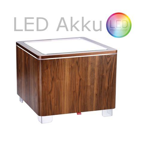 tisch mit led beleuchtung beleuchteter tisch ora led akku und led pro akku