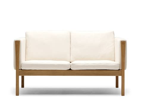 two sofas buy the carl hansen ch162 two seater sofa at nest co uk