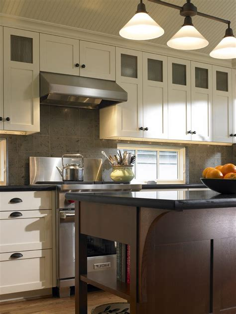 oil rubbed bronze kitchen appliances oil rubbed bronze cabinet pulls with stainless appliances