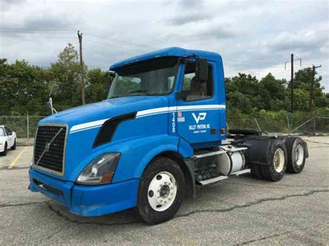 2006 volvo semi truck for sale volvo vnl64t 2006 daycab semi trucks