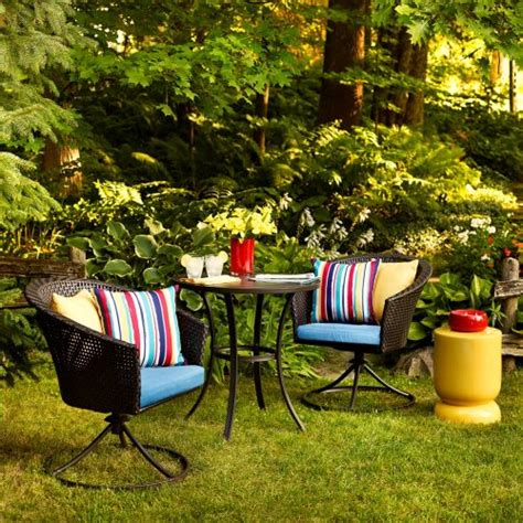 Summer Clearance Patio Furniture Lowe S Canada Summer Clearance Event Save 20 75 On Select Patio Furniture Outdoor Decor