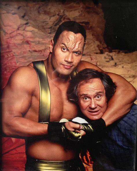dwayne the rock johnson voyager the rock da grande cione di wrestling a protagonista