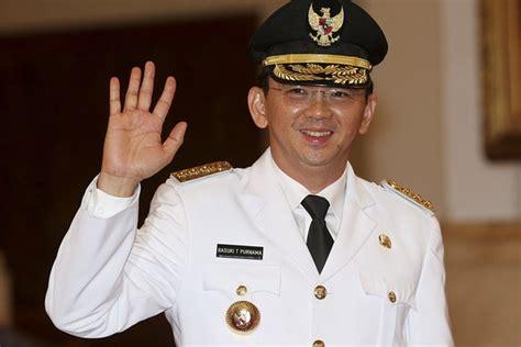 ahok biografi jakarta s christian governor to face blasphemy trial