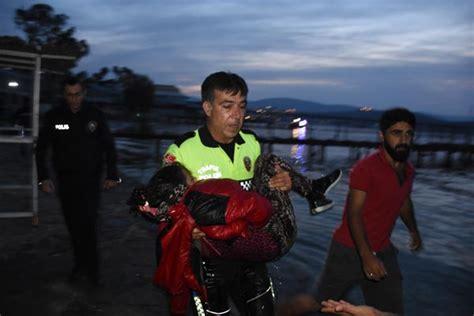 missing refugee boat 2 children dead 10 people missing after refugee boat