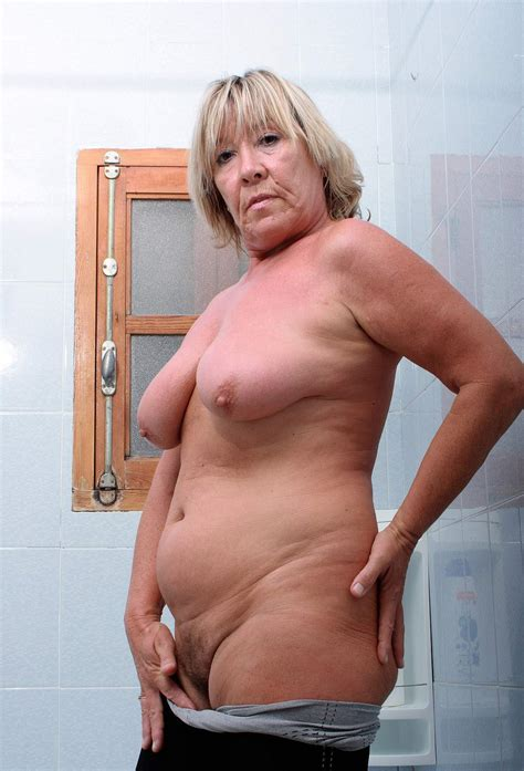 Chubby Links Mature Porn Image