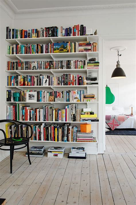Elfa Corner Shelf by 1000 Ideas About Wall Bookshelves On
