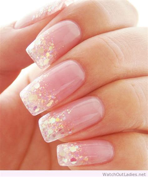 Light Pink Nails by Pretty Light Pink Nails With Glitter Out