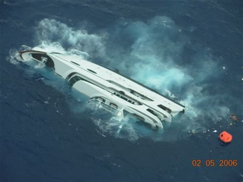 cigarette boat to bahamas that sinking feeling yacht goes down in bahamas