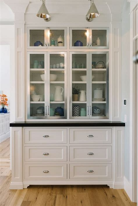 Butler Pantry Cabinets by Best 25 Kitchen Butlers Pantry Ideas On Beverage Center Butler Pantry And