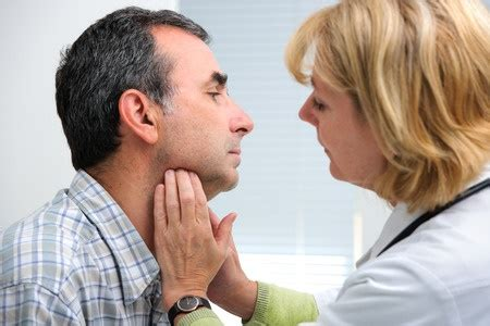wann mandeln entfernen geschwollene mandeln symptome und behandlung vitaloo