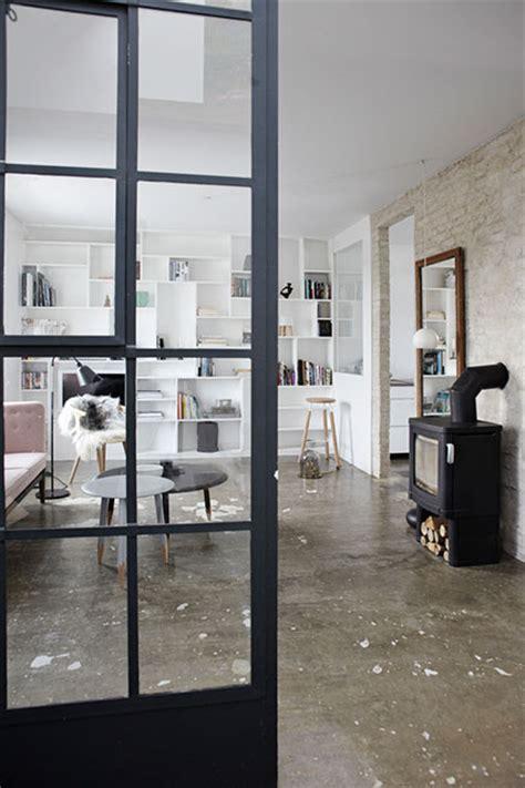 bilder schã nen wohnzimmern das wohnzimmer mit sch 246 nen b 252 cherregal wohnideen einrichten