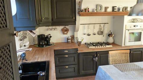 comment r駭 une cuisine en ch麩e comment moderniser une cuisine en chene affordable