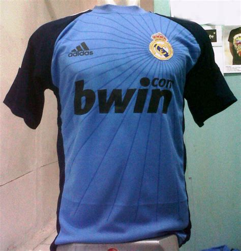 Kaos Raglan Real Madrid Edition 01 Baju Kaos Bola Distro kaos real madrid bwin pesan kaos