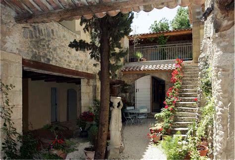 court yards mediterranean courtyard garden design ideas home trendy