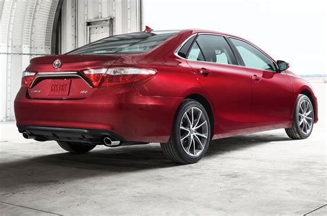 Toyota Xse 2015 Toyota Camry Xse Rear Side View Photo 14