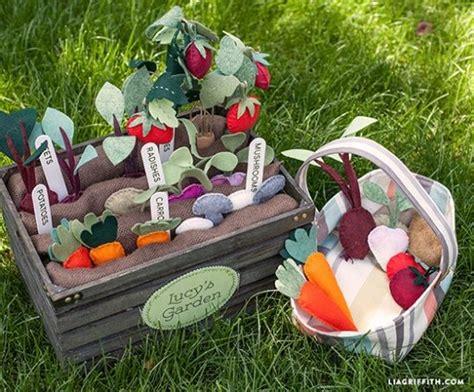 Vegetable Garden Felt And Felting On Pinterest Plan Toys Vegetable Garden
