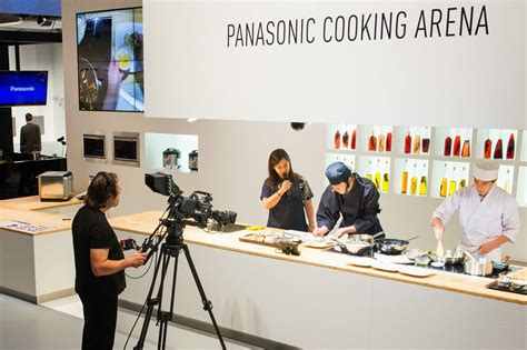 induction cooking demonstration a wider range of av products and home appliances for you to try ifa 2013 panasonic booth