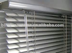 rideau v 233 nitien en aluminium ridaux stores volets id du