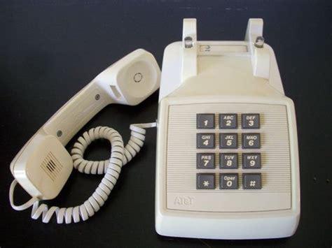 at t desk phones vintage at t classic plastic push button desk phone