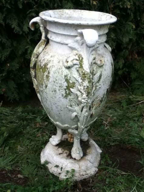 Iron Planters For Outdoors by 1000 Images About Antique Cast Iron Planters On