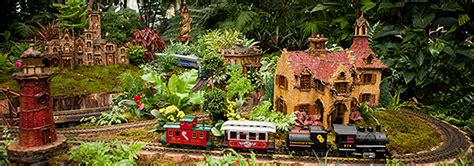 187 This Weekend The Holiday Train Show Takes You Around Nyc Botanical Gardens Show