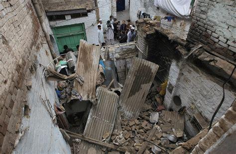 earthquake asia 7 5 magnitude afghan earthquake rocks asia over 150 dead