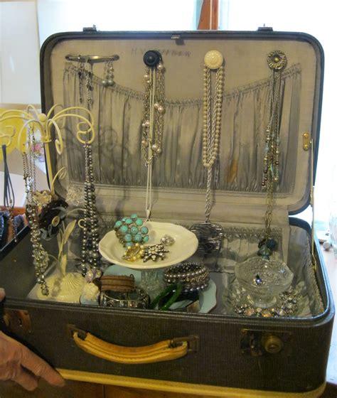vintage suitcase jewelry display   product display