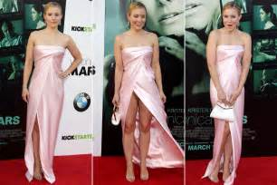 kristen bell can t avoid wardrobe malfunction at premiere