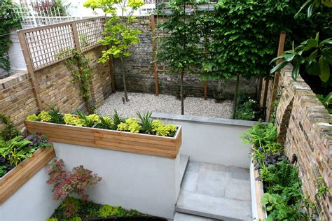 Small Patio Gardens by Gravel Small Town Garden With Beautiful Water Feature