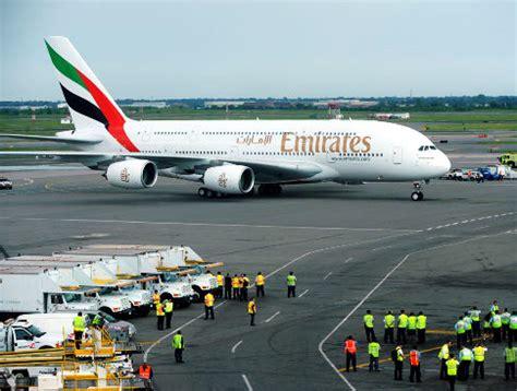 emirates jfk to dubai emirates a380 flights soar back into jfk ny daily news