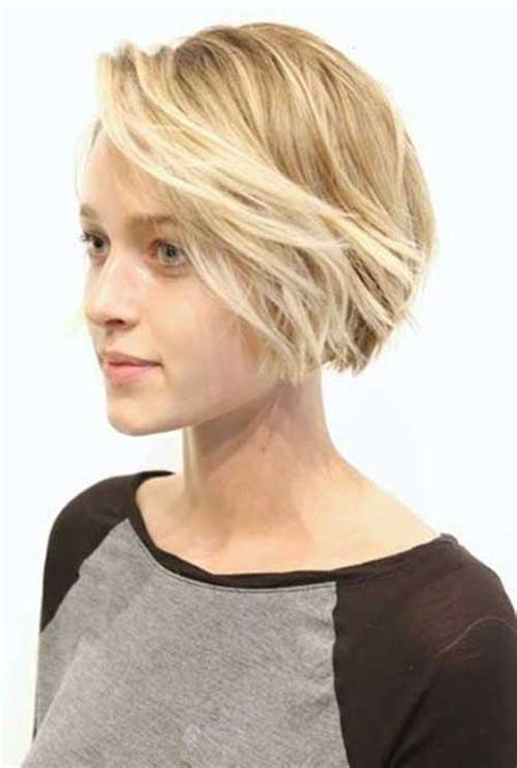 very short layered light brown hairstyles short light brown hair with blonde highlights the best