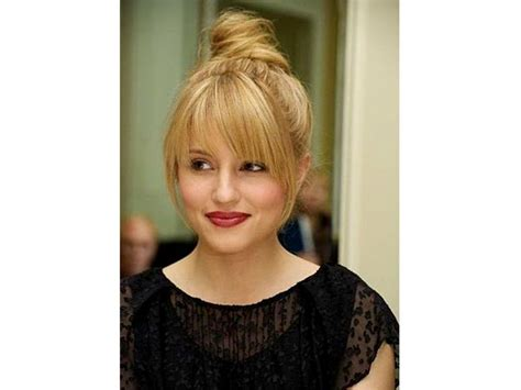 hairstyles that make your face look rounder 8 hairstyles to make your round face look slimmer