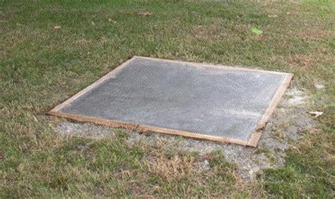 how to pour a concrete patio how to cement concrete