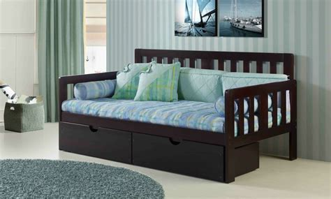 a day bed what s the difference between a daybed a futon siesta sleep works