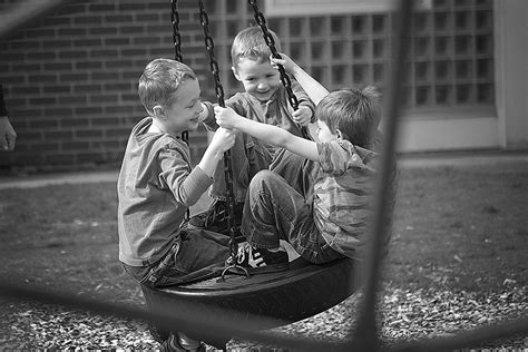 friends swinging free friends swinging together stock photo freeimages com