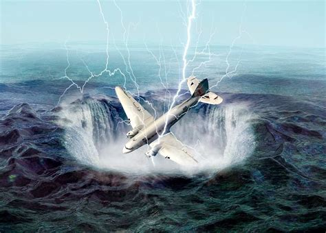 the mysterious bermuda triangle hookedoninspirations blog the mystery of bermuda triangle bermuda triangle history