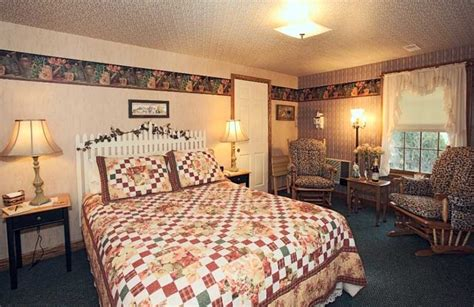amish bed and breakfast ohio garden gate get a way b b and cottages ohio amish country
