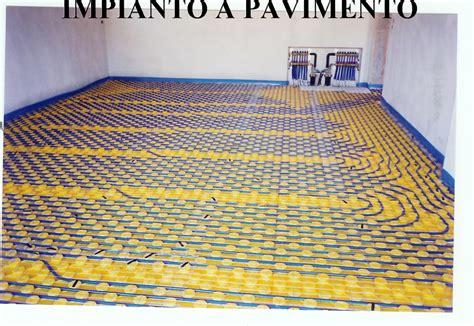 caldaia per riscaldamento a pavimento foto impianto di riscaldamento a pavimento su villa marca