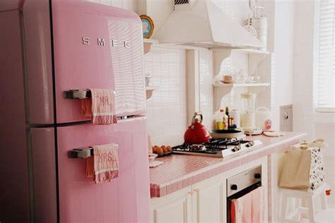Kulkas Smeg pink fridge for sale images