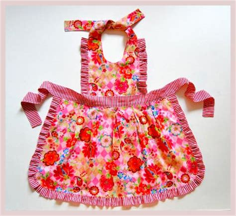 pattern children s apron free 10 free apron patterns apron and daughters