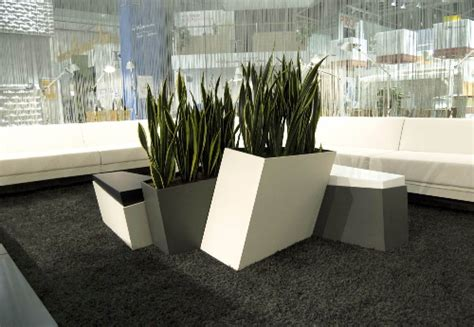 Planter Boxes With Seating by Shift Planter Boxes With Integrated Seating By Rainer Mutsch