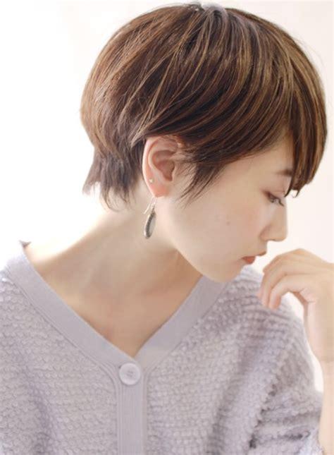 new hot short hair doos 40代女性の人気ヘアスタイル おしゃれな髪型画像 stylistd