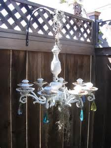 Standing Chandelier Centerpieces I Saw Something Like This In Diy Magazine Only With Fancy