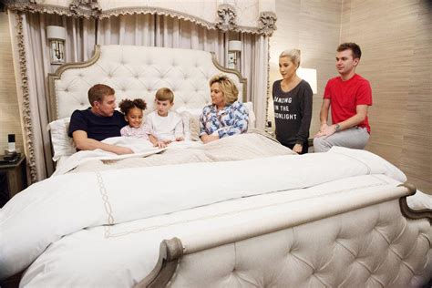 chrisley knows best review this family may be nuts but memorial day tv schedule movie tv marathons to watch on