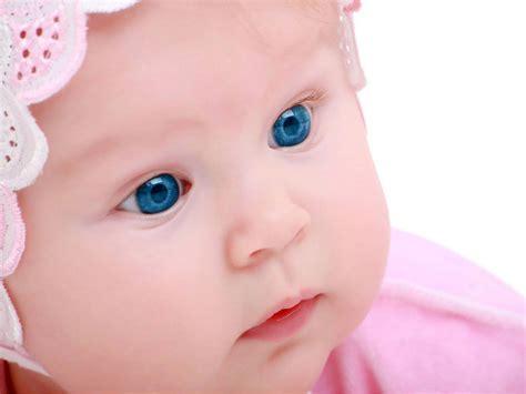 wallpaper anak menangis 10 foto gambar bayi lagi sedih
